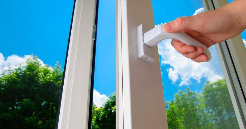 Пластиковые окна: виды открывания